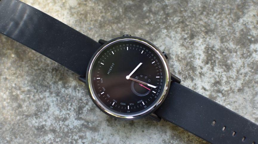 Лучшие гибридные умные часы:  Xiaomi, Fossil, Garmin...