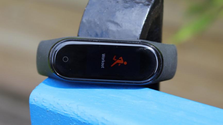 Xiaomi Mi Band 5 против Mi Band 4: сравните различия