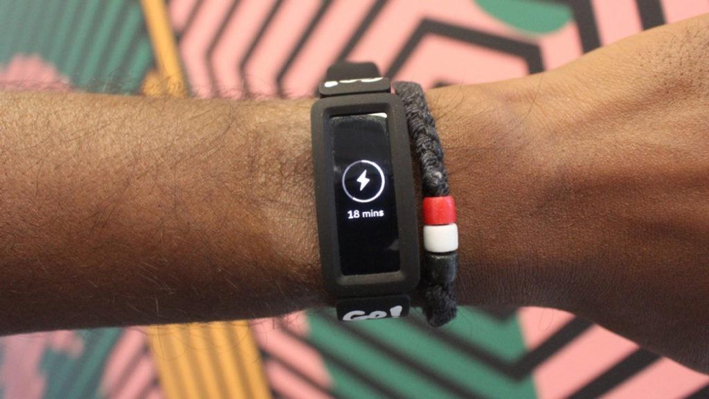 Fitbit Ace 2: трекер для детей, который растет вместе с ними