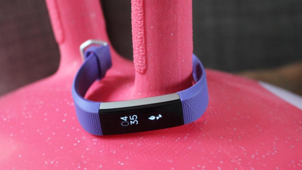 Полный обзор и настройка фитнес-трекера для детей Fitbit Ace