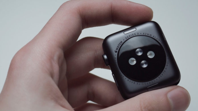 Как заряжать Apple Watch